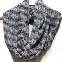 Floral infinity scarf. Women fashion scarf with roses