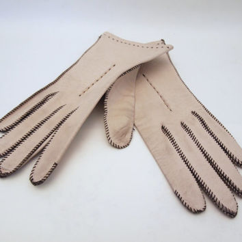 Vintage Antique White Genuine Deerskin Driving Gloves Size Small Size 7 Leather Winter Gloves Embroidered Wrist Length Equestrian Victorian