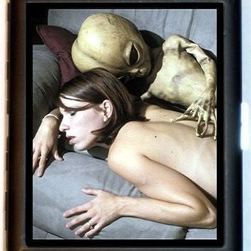 Alien Couple Weird Surrealistic Cigarette Case or ID Business Card Holder New Roswell Area 51