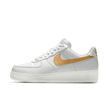 The Nike Air Force 1 Low Essential iD Shoe.