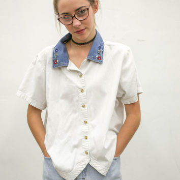 90's pale floral denim collar t shirt, white flowers collared tee shirt, 1990s ironic vtg tumblr soft grunge vaporwave, urban outfitters