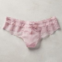 Triumph Scalloped Lace Hipsters in Pink Size: