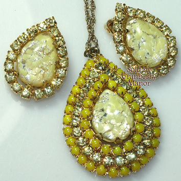 Rhinestone Necklace Pendant & Earrings, Lemon Yellow Crackle Glass Demi Parure, Princess Length, Spring Vintage Fashion Costume Jewelry J558