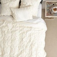 Basal Quilt by Anthropologie Ivory