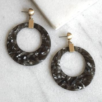 Resin Circle earrings in Grey