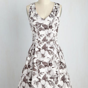 Fabulously Established Floral Dress in Monochrome | Mod Retro Vintage Dresses | ModCloth.com