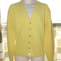 Vintage 60s Mens Light Yellow V neck Button Down Cardigan Sweater Rockabilly Rat Pack L Large