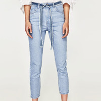 HIGH-RISE MOM FIT JEANS