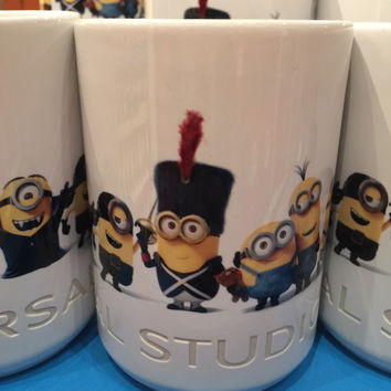 Universal Studios Exclusive Despicable Me Minions Evolution Ceramic Mug New