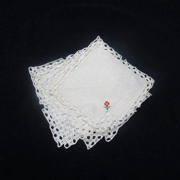 Set of 4 Vintage 1970s Linen Coasters, Cocktail Napkins with Hand Embroidery in Red & Lace Trim, Vintage Table Linens, Vintage Lace, Doilies