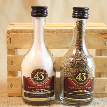 Salt & Pepper Shaker from Upcycled Glass 43 Licor Mini Liquor Bottles
