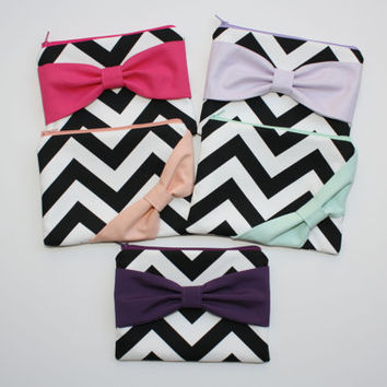 Bridesmaid Gift Set / Bachelorette Favors - Custom Cosmetic Cases - Black and White Chevron Multi Colored Bows - Choose Bow Style and Colors