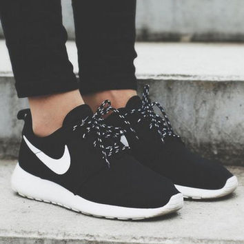 Trendsetter Nike Roshe Run Women Men Casual Sneakers Sport Runni 5ca3d4d1559f