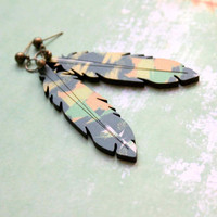 Big Feather Stud Earring in Green and Yellow colors - Jungle - Woody Collection