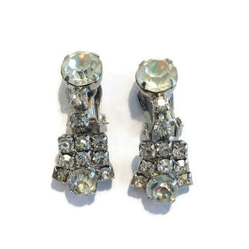 1950s Earrings / Vintage Rhinestone Drop Dangle Statement Clip Earrings, Wedding Jewelry, Bridal Jewelry, Holiday Party
