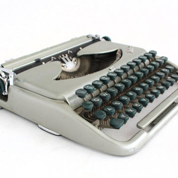 Vintage Typewriter, Mid Century typewriter, Typewriter, Grey / Siver Travel Typewriter, Working Typewriter, Portable typewriter, 60s