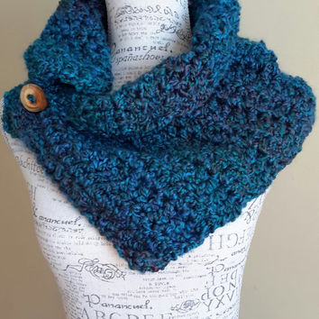 crochet scarf. Button cowl. Katniss inspired. teal. Made by Bead Gs on ETSY.