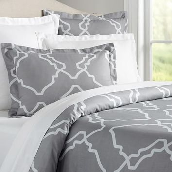 TRISHA DUVET COVER & SHAMS