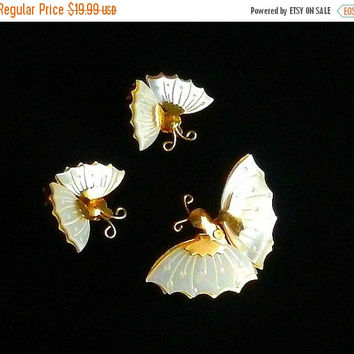 SALE Vintage Mother of Pearl Jewelry Set, Butterfly Brooch & Earrings, Carved MOP Butterfly Jewelry.
