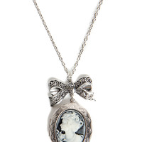 Ivy Large Cameo Bow Necklace