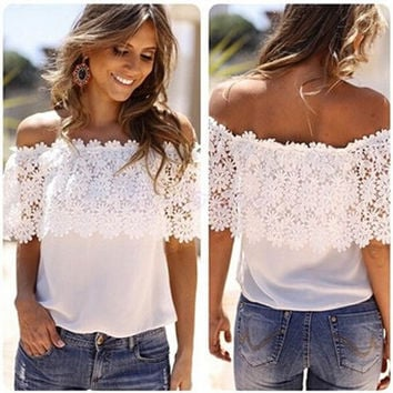 2016 New Sexy slash neck ruffles women tops tees Off shoulder beach summer style tops Women blouses shirt party tube top