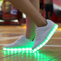 YGF New 2017 LED Luminous Shoes Unisex Led Shoes for Adults Glowing Shoes USB Charging Light 7 Colors chaussure lumineuse