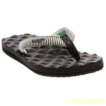 Womens Reef Dreams White/Black Prints Synthetic Casual Sandals-Flip Flops