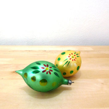 Vintage Poland Glass Ornaments / Teardop Ornaments / Hand Painted / Green and Yellow / Christmas Ornaments / Hand Blown Glass / 50s Ornament