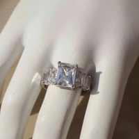 Vintage Sterling Silver engagement style ring Size 8