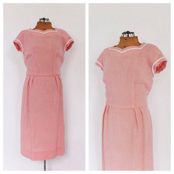 Vintage 1960s 1950s Mod Wiggle dress Pink Linen Spring Dress Classic Mad Men 60s Sheath Dress Day Dress Sexy Mad Men Dress Size Small Medium