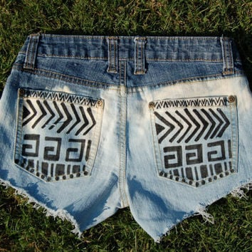 Tribal print Ombre Bleached Shorts size 24