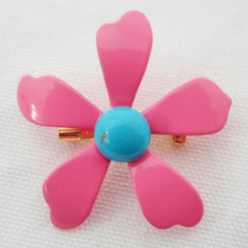 SALE Vintage Bright Bubblegum Pink Daisy Enamel Brooch With Turquoise Blue Center, Small, Collectible, Jewelry, Pin, Bridal Brooch Bouquet