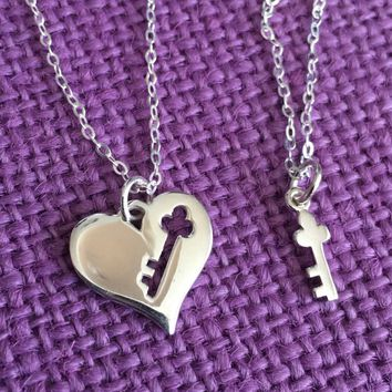 Mother Daughter Necklace - Mommy and Me - Mom Daughter Jewelry Set - Sterling Silver Jewelry - Key to my heart - Dainty Jewelry