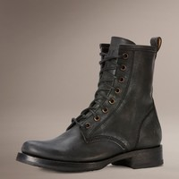 Veronica Combat by TheFryeCompany,