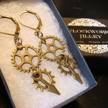 Antique Bronze Gear and Cog Steampunk Earrings (1958)