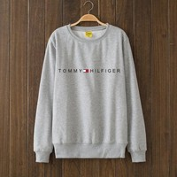 Tommy Hilfiger Woman Men Top Sweater Pullover G-2