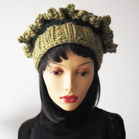 Chunky knit green hat - Ready to Ship - Ruffled crochet olive crown - Fashion knit hat - Woman warm hat - One of a kind hat - Teen girl hat