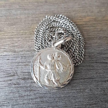 Vintage Sterling Silver St Christopher Medal With 54 cm Sterling Silver Chain , Unisex