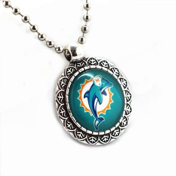 SANGUINE Miami Dolphins Football Sports Team  Glass Pendant Necklace Jewelry With 45cm Silver Beads Chains 10pcs/lot