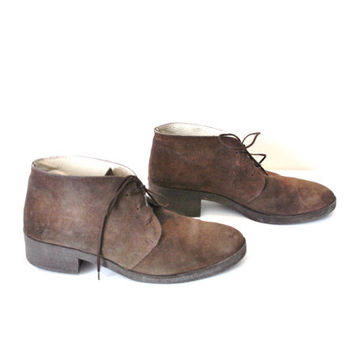 size 8.5 chunk heel desert boots / brown suede hipster ankle booties