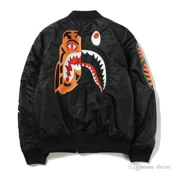New Autumn Winter Famous Brand Shark Tiger Embroidery Thickening Baseball Jacket Men's Women's Loose Hip Hop Jacket Coat