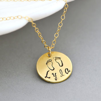 New Mommy Necklace, Baby Foot Necklace, Name Disc Necklace, Personalized Disc Necklace, New Mom Jewelry, Gift For New Mom