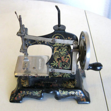 Antique Childs Sewing Machine Made in Germany, Cast Iron, Hand Cranked Sewing Machine, Late 1800s - Early 1900s