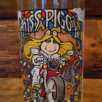 Vintage The Great Muppet Caper McDdonalds Glass, Miss Piggy on a Motorcycle Tumbler, 1980s collectible