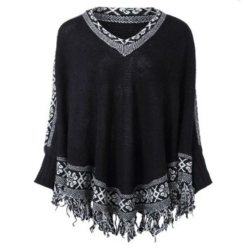 Ethnic Style V-Neck Long Batwing Sleeve Tassels Embellished Women's Sweater
