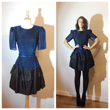 80s Prom Dress Short Sleeve Shimmery Blue Black Tiered Skirt Bow Tie at Back Party Dress size Medium