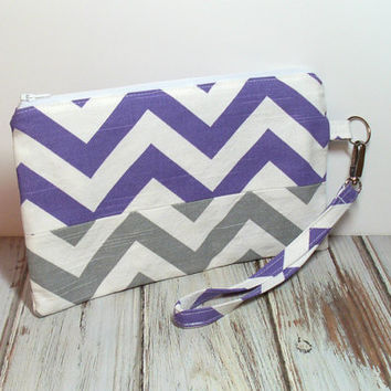 Purple Wristlet Bag, Clutch Wristlet, Purple and Gray, Wristlet Purse, Chevron Clutch, Womens Clutch, Purple Clutch Bag, Phone Wristlet