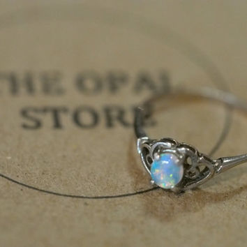 Opal Ring 18K White Gold 7.5