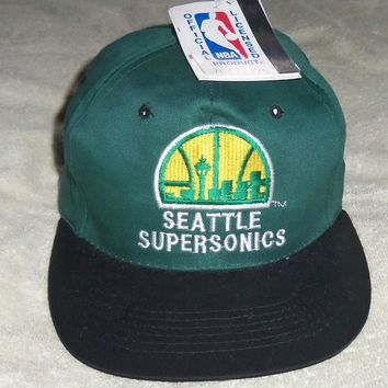 NBA : Vintage Seattle Sonics Snapback Baseball Cap - New with tags - Rare