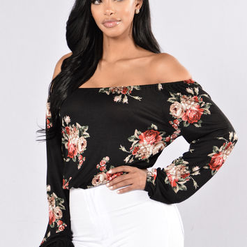 Rosy Love Top - Black